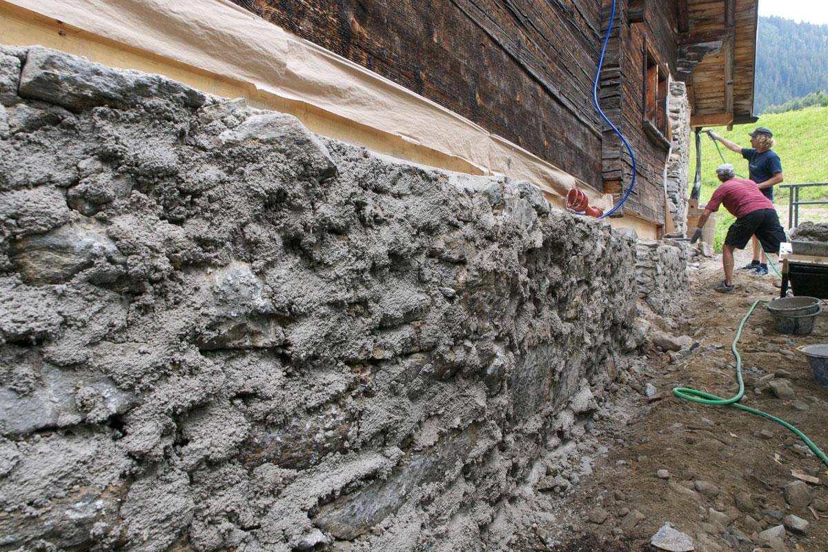 Fassade hydraulischer Kalk + Sumpfkalk