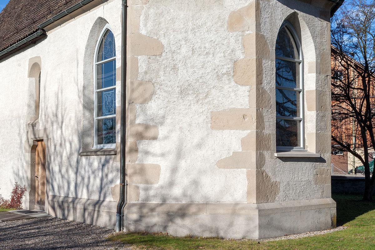 Fenstersims in Sandstein. Ritterhaus Ürikon.